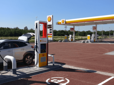 Battery energy storage integrated into Dutch ultrafast EV charging service