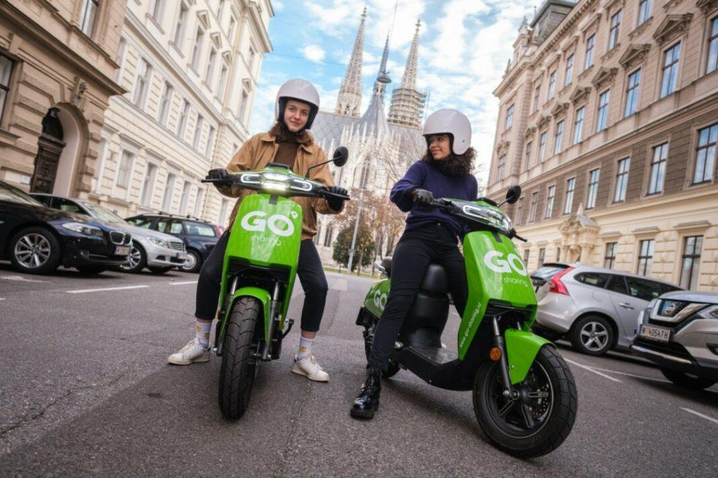 Dutch e-moped mobility provider expands into Austria