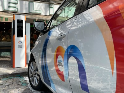Siemens provides chargers and app for On's multimodal electric vehicle sharing service in Rome
