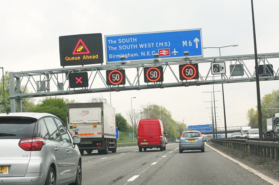 UK phases out dynamic hard shoulder motorways, but sticks with all lane running