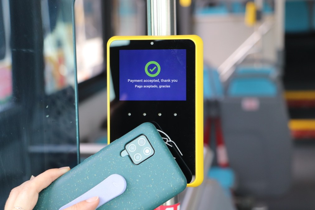 Tap to ride demo on Californian buses supports seamless multimodal journeys